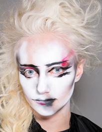 2014伦敦秀场薇薇的涂鸦彩妆