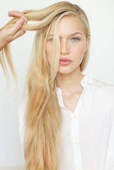 长发及腰侧编为美