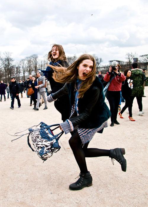 巴黎时装周模特街拍:起飞!