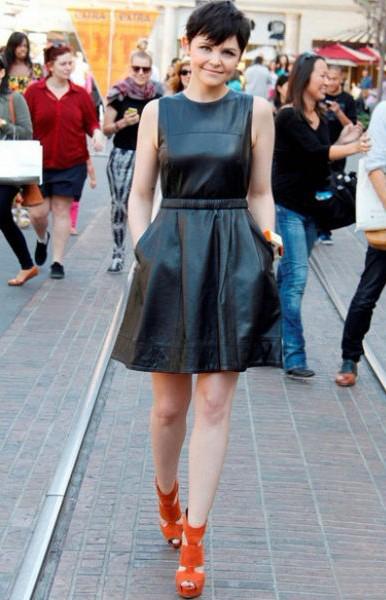 女星演绎50年代复古连衣裙
