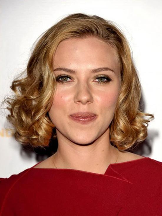 美容 明星妆容 > 正文       如果你是圆脸 脸的你适合长的,立体修剪