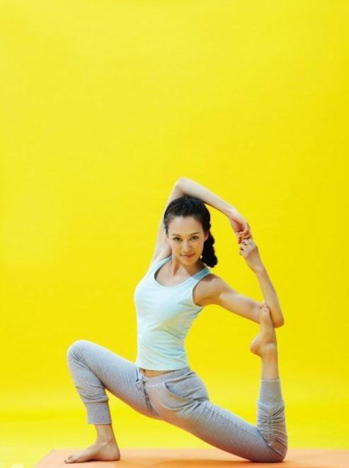 十步哑铃瑜珈打造性感美人