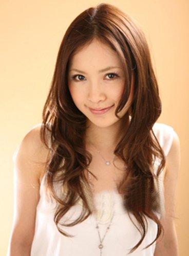 可爱日系圆脸烫发发型