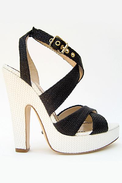 糖果色美鞋 让这个春夏闪耀起来