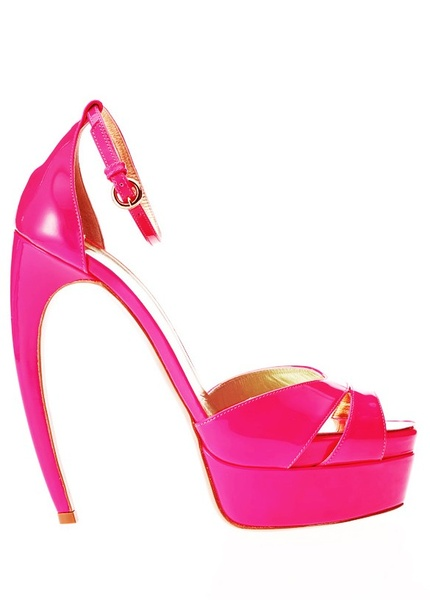春去夏来 凉鞋闪耀整个夏季