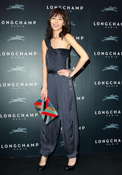 孙燕姿出席Longchamp开店仪式