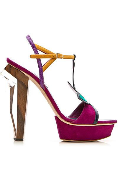 Dsquared 打造春夏野性美鞋