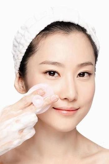 第一步护肤 科学洁面做清透美人