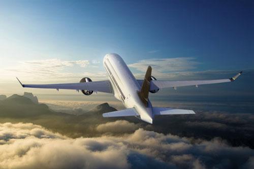 庞巴迪c系列飞机 2013年投入运营