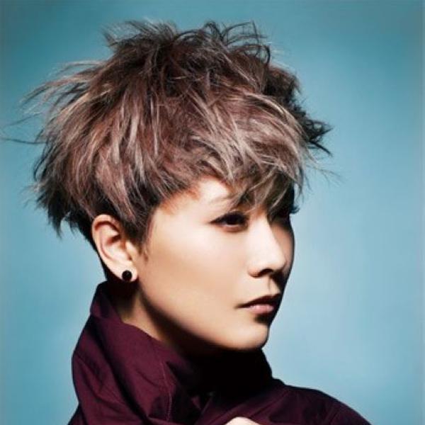 演员海清,经常以短发造型亮相,近几年海清时尚的短发造型受到喜爱和