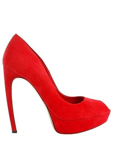 女人性感必杀技 弧线鞋履最诱人