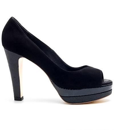 春夏黑色依旧流行 个性鞋履