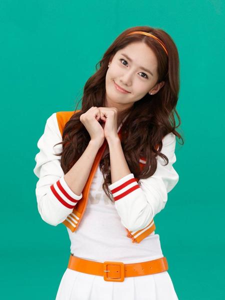 韩国女星林允儿完美演绎小清新