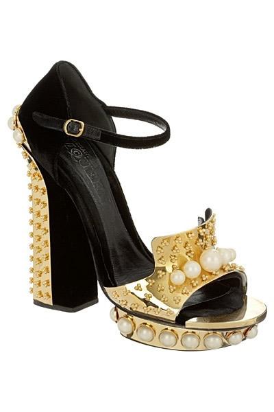 麦昆金缕鞋 无求完美的鞋款