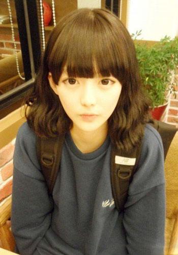韩式披肩发烫发发型