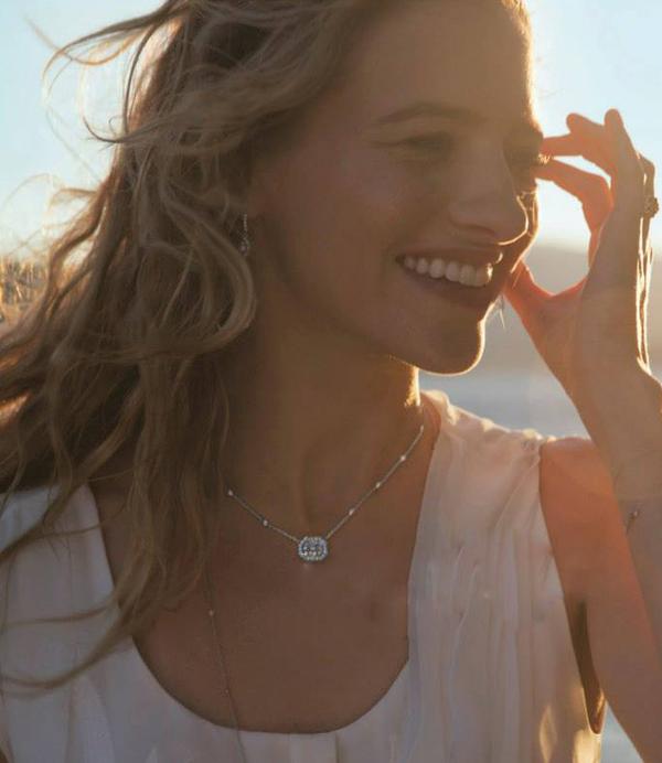 preville推出2014春夏奢华钻石珠宝新品,由美国模特sara ziff演绎其