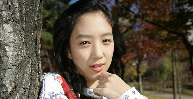 郑丽媛/JungryeoWon