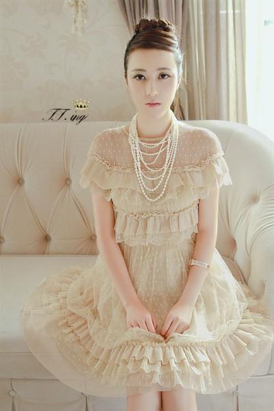 珍珠蓬蓬裙优雅的公主气质