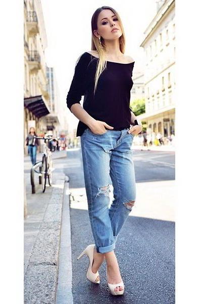 看时尚潮人演绎街头休闲装扮