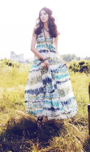田园度假 长裙更显萝莉时尚
