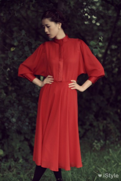 红色系长款复古连衣裙