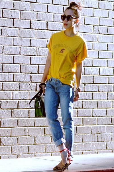 亮黄色的初秋时尚混搭