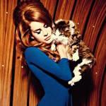 Lana 为8月版《VOGUE》拍摄大片