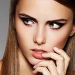 彩妆打造高鼻梁
