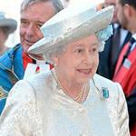 女王换新装