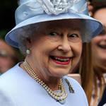 英女王视察军队