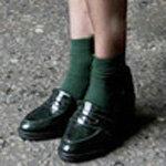 美鞋与彩袜搭配