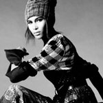 超模新人《Vogue》演绎个性着装