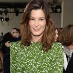 绿色印花裙撞衫