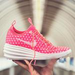 楔形运动鞋