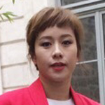 中国女星张钧甯亮相巴黎时装周
