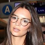 戴框架眼镜的不都是书呆子
